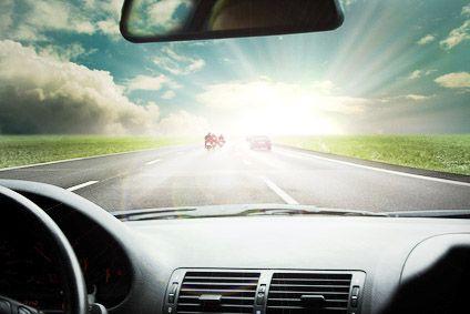 Conducir con gafas de sol tradicionales
